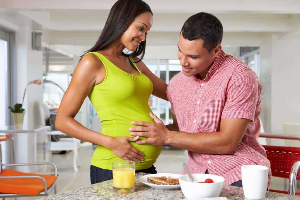 pregnant couple, baby on a budget, family planning, baby budget, cost of having a baby
